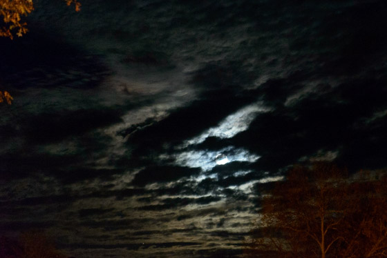 Clouds_Moon-0844